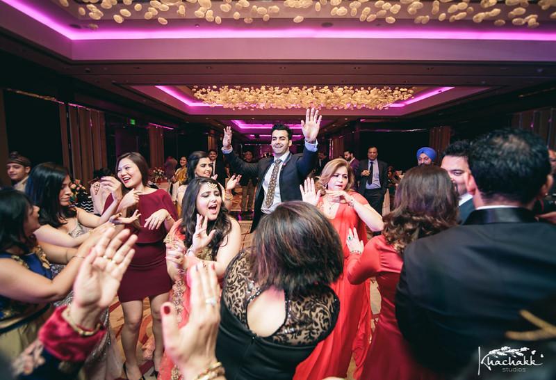 best-candid-wedding-photography-delhi-india-khachakk-studios_33.jpg