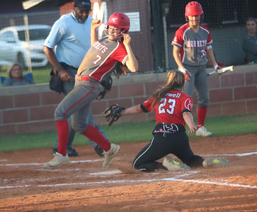 Lafayette vs. Hamilton County district softball tournament