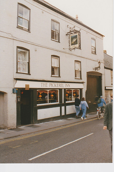 Pub-The-Pickerel-Inn.jpg