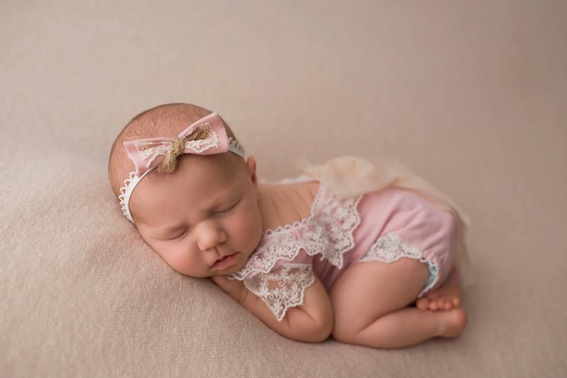 ELA_6064Willow newborn photographer south jersey.jpg
