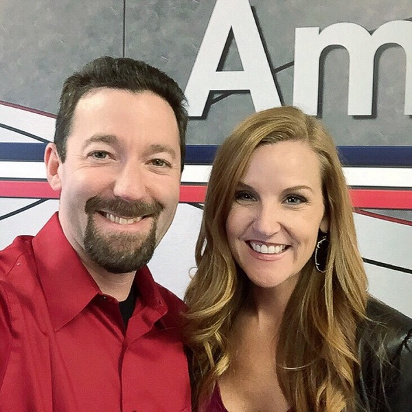 Sometimes a flight delay is a #GOOD thing @americanair ... So lucky to bump into the extraordinary @daniellesmithtv today!!! Safe travels my friend!!