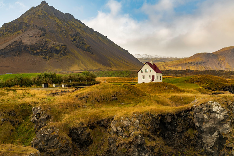 Iceland Mountain and House.jpg