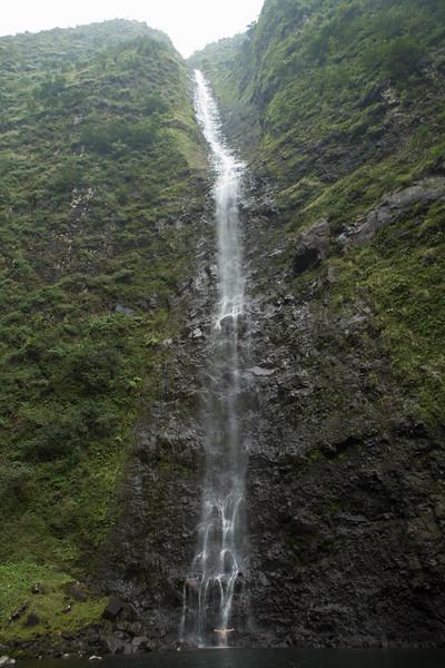 hanakoa-falls-3.jpg