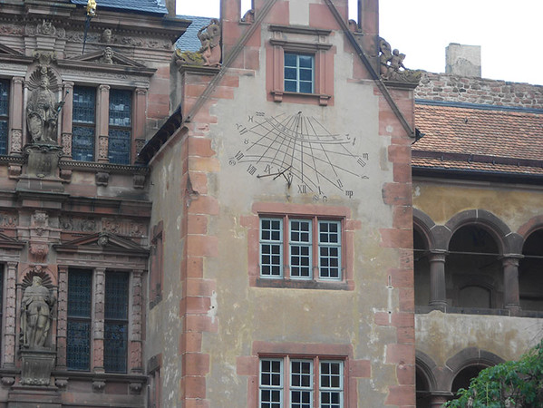 Clock-at-Heidleberg-Castle.jpg