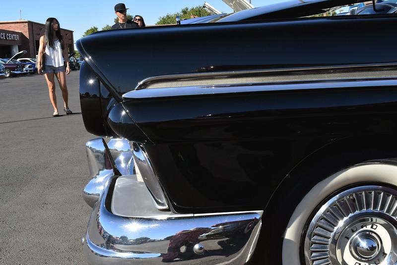 Ford 1957 Skyliner ft profile.JPG