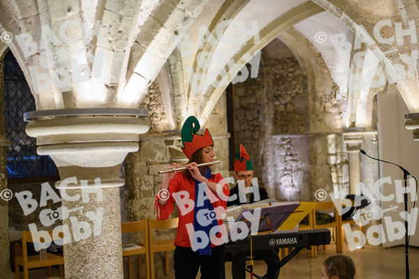 ©Bach to Baby 2017_Stuart Castle_Rochester Cathedral_2017-12-19-16.jpg