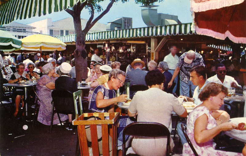 Farmers' Market Outdoor Dining