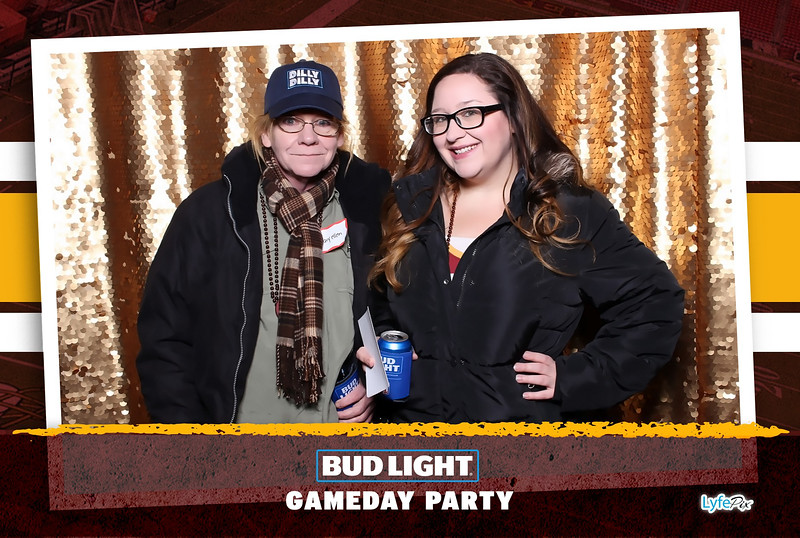washington-redskins-philadelphia-eagles-football-bud-light-photobooth-20181203-211359.jpg
