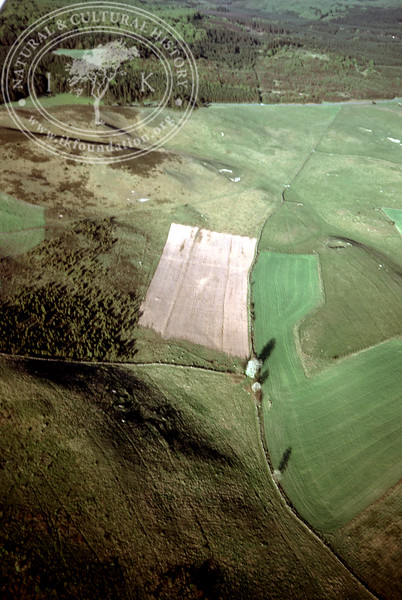 Maglehems ora [Ohra] - with plantations, buildings and prehistoric remains (4 May, 1989). | LH.0676