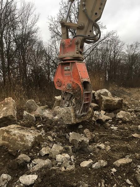 NPK U21JR concrete pulverizer on Cat excavator (2).JPG