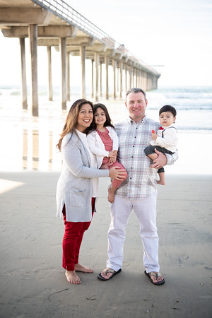 Christina + Charlie | Scripps Pier Family Photos