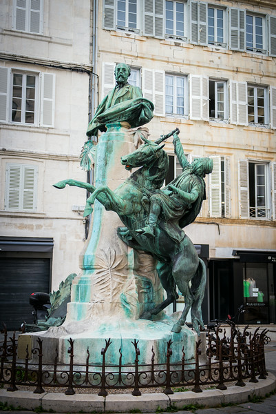 Statue in La Rochelle