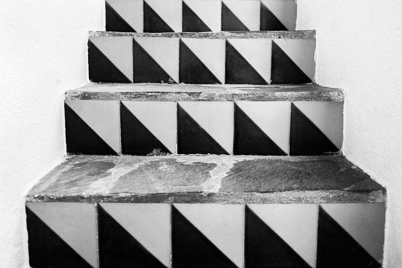 STAIRCASE_PATTERNS_CADAQUES_2018.jpg