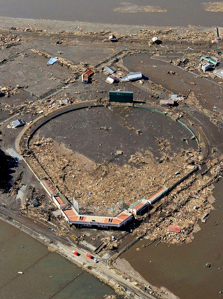 JapanEarthquake2011-302.jpg
