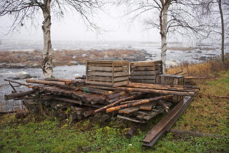 Cold waters at Kukkolankoski rapids 1.jpg