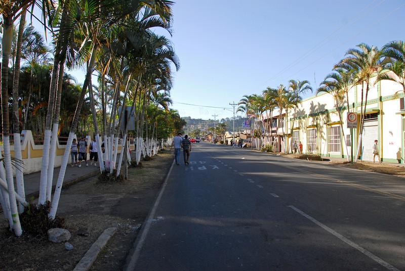 080126 0240 Costa Rica - La Fortuna to San Ramone Bus Trip _L ~E ~L.JPG