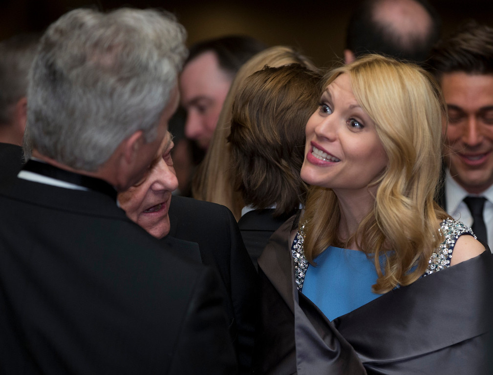 """. Actress Claire Danes from the Showtime series \""""Homeland\"""" attends the White House Correspondents\' Association Dinner at the Washington Hilton Hotel, Saturday, April 27, 2013, in Washington.  (AP Photo/Carolyn Kaster)"""