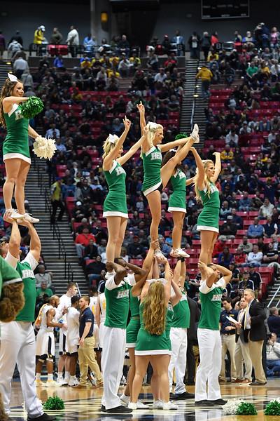 cheerleaders1038.jpg