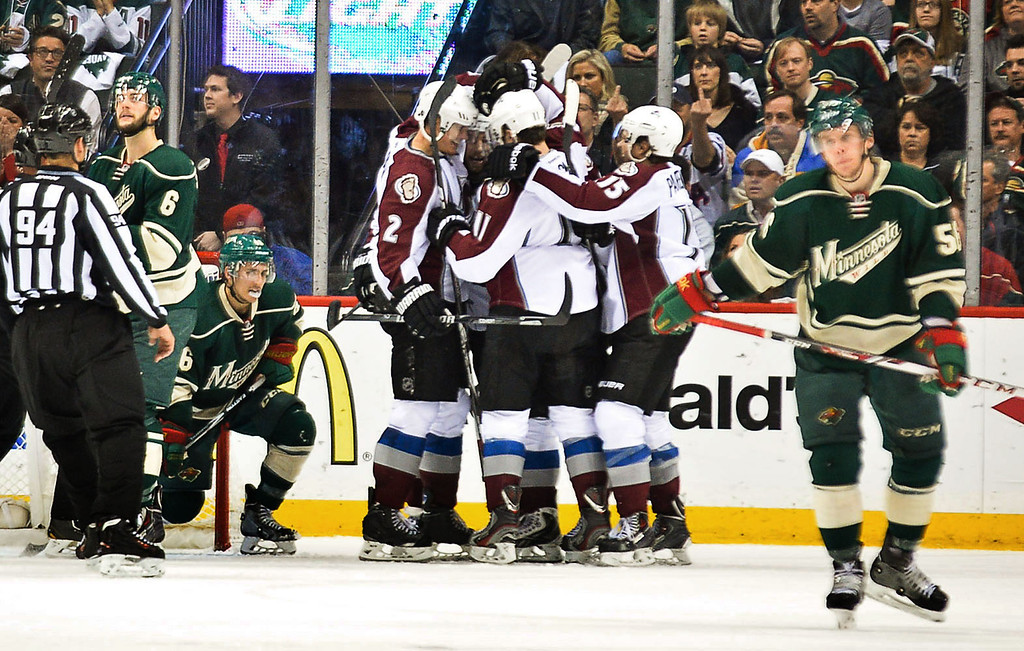 . The Colorado Avalanche celebrate their game-tying goal in the second period. (Pioneer Press: Ben Garvin)