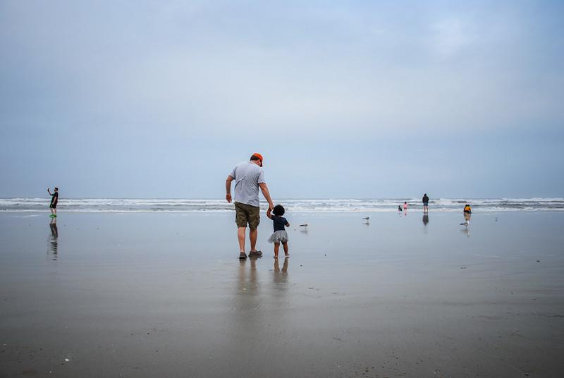 J and Mari at beach 12.2018 XI.jpg