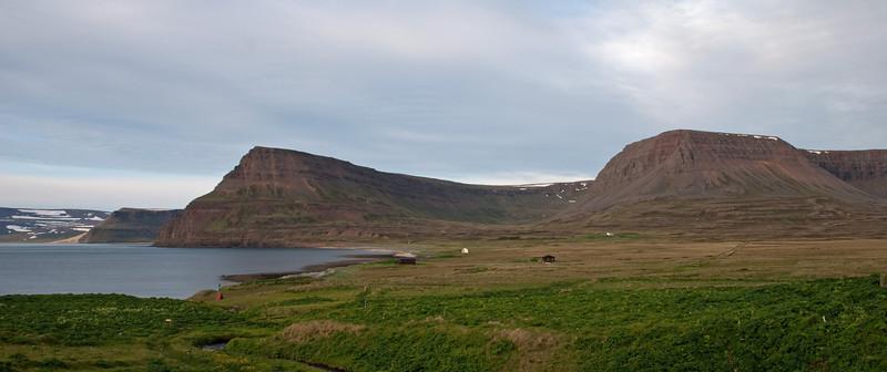 Hvarfhnúpur, Þverdalur og Nasi
