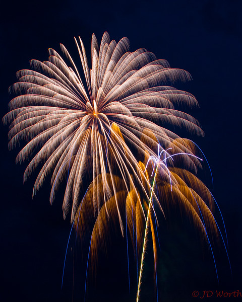 070417 Luray VA Downtown Fireworks - Golden Shower Pinwheel-0862.jpg