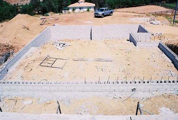July 16, 2005 Cement blocks & rebar set in for the foundation (second/main level). Kyle Court Property, La Cresta, Murrieta, Riverside County, CA