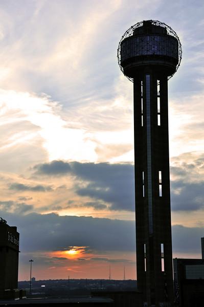Dallas Skyline - Reunion Tower 01.jpg