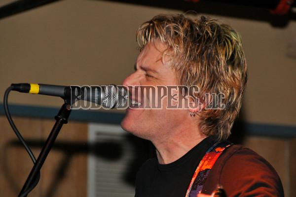 """Back 2 Life Band"" @ West Shore Hardware Bar - December 27, 2008 - Nikon D90 - Mark Teicher"