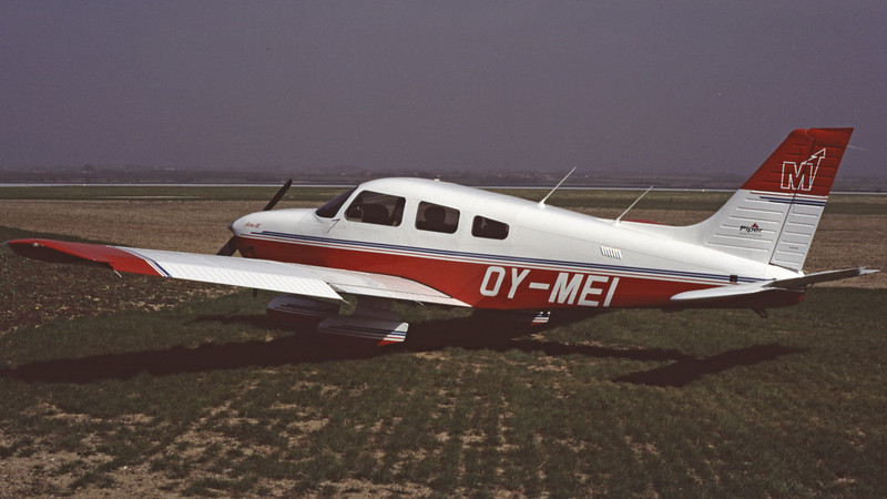 OY-MEI-PiperPA-28-181ArcherIII-Private-EKSB-1997-04-DK-25-KBVPCollection.jpg