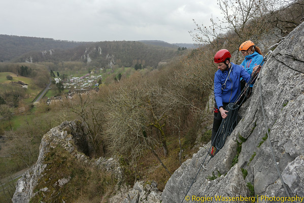 2014-03 Climbing in Pont a Lesse (B)