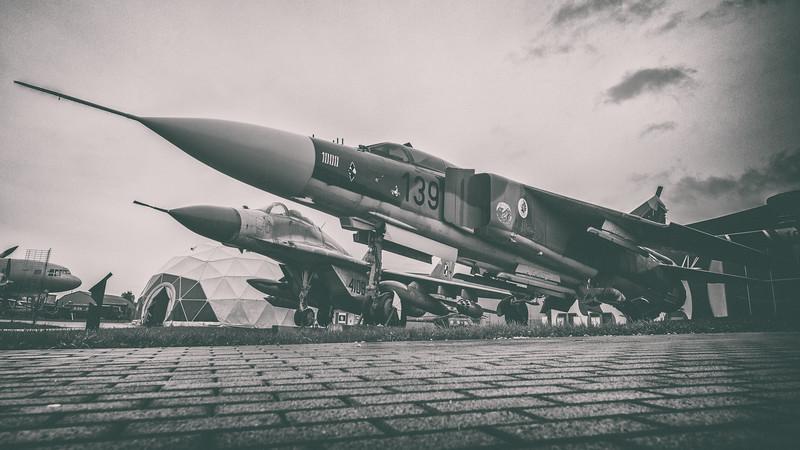 Deblin-MiG23ML-MiG29-kedark_D854688-16x9-AnaEfxPro2.jpg
