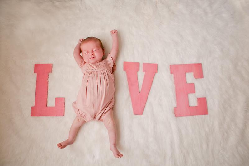 Newborn+Photography-Chapel-Hill_Baby-Penelope-001.jpg
