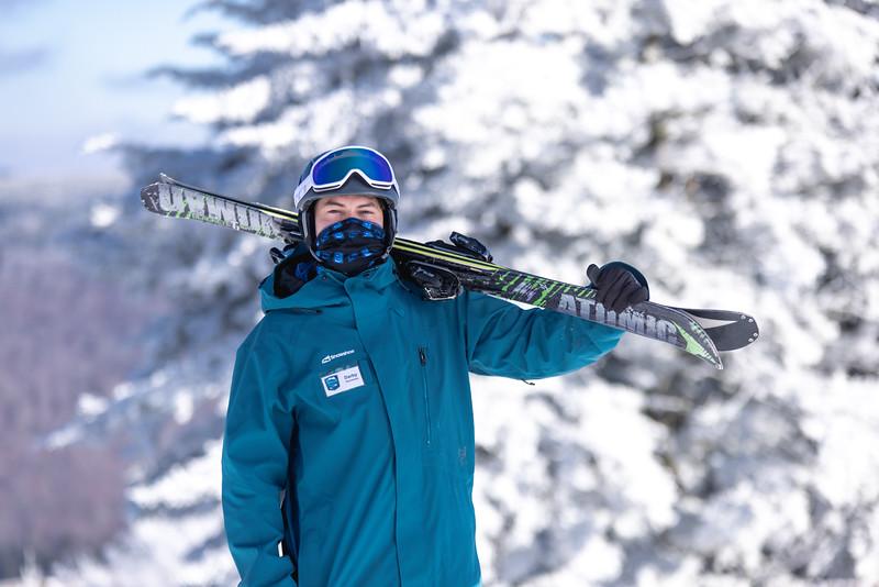 2020-12-06_SN_KS_Ski School Mask Winter Photos-7111.jpg