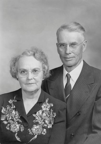 Robert and Hazel portrait 02.jpg