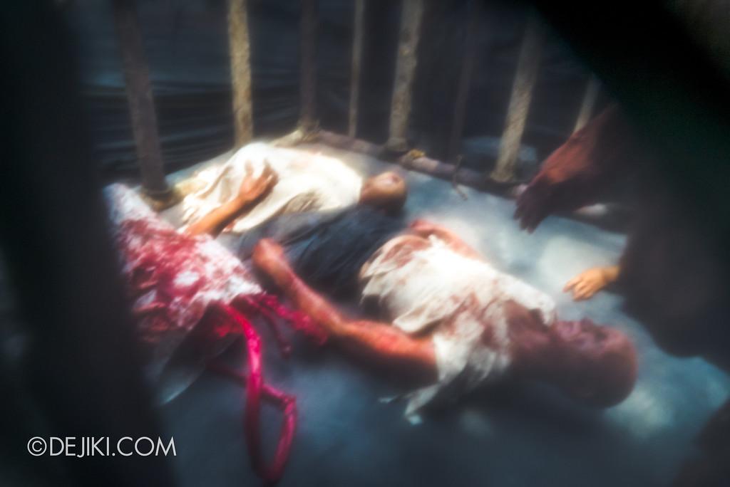 Halloween Horror Nights 7 Before Dark 2 Preview Update / Pilgrimage of Sin scare zone - Peeking through the black cloth