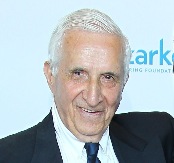 ". <p>5. (tie) SID HARTMAN�S ESTATE SALE <p> �Wouldn�t you pay more for a suit if you knew Sid Hartman wore it?� ... Uh ... no? (4) <p><b><a href=\'http://www.estatesales.net/estate-sales/MN/Minneapolis/55416/555444\' target=""_blank\""> HUH?</a></b> <p>   (Adam Bettcher/Getty Images for Starkey Hearing Foundation)"
