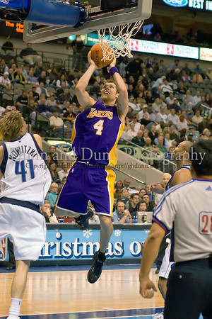 Dallas Mavericks versus the LA Lakers (12-13-2006)
