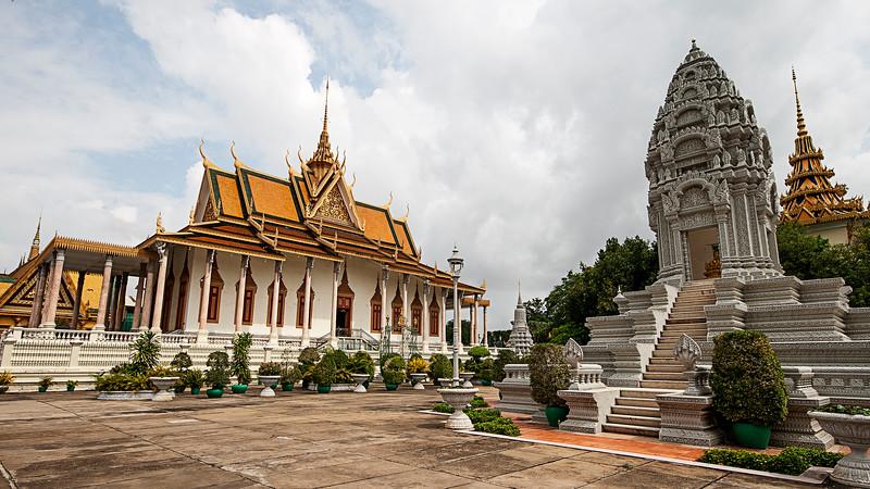 royal palace phom Phen.jpg