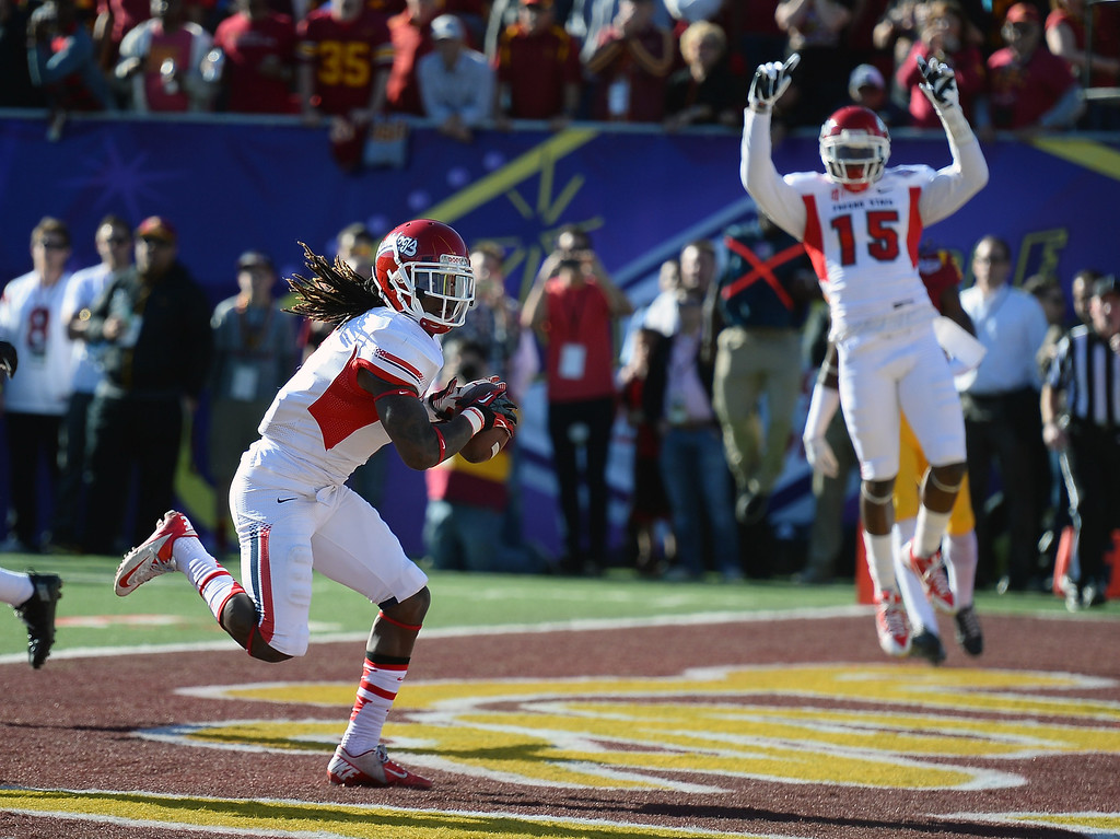 . LAS VEGAS, NV - DECEMBER 21:  Isaiah Burse #1 of the Fresno State Bulldogs scores a touchdown against the USC Trojans as teammate Davante Adams #15 celebrates during the Royal Purple Las Vegas Bowl at Sam Boyd Stadium on December 21, 2013 in Las Vegas, Nevada.  (Photo by Ethan Miller/Getty Images)