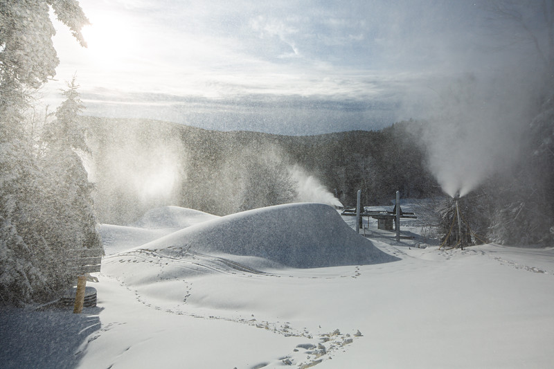 Snowmaking 1920-3627.jpg