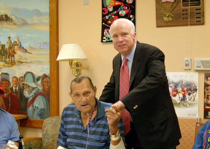 Sen McCain PVAHCS Visit 5-1-2010 5-25-07 PM.JPG