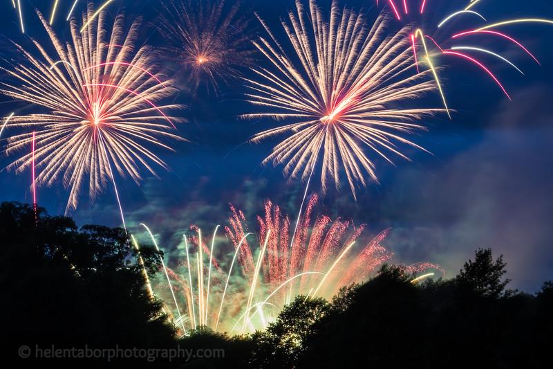 Newby fireworks 2017-38.jpg