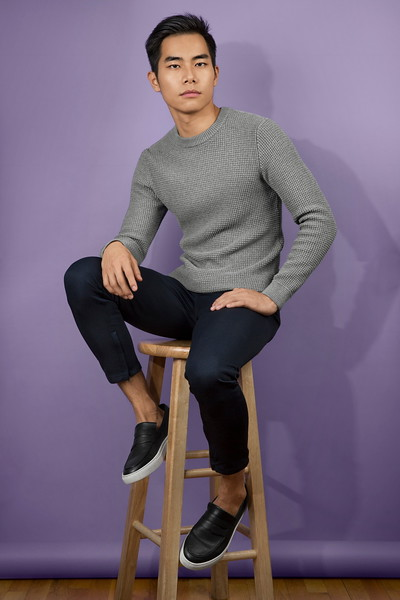 """@tjogron 5' 8""""   Shirt S   Pant 28   Shoe 8   Weight: 135 Ethnicity: Chinese Skills: Fluent in Mandarin and Spanish, Experienced Actor with TV and Film Credit"""