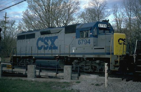 csx6794 north yd 5.96.jpg