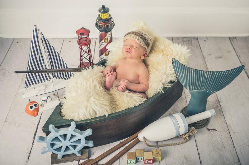 Rockford_newborn_Photography_L046.jpg