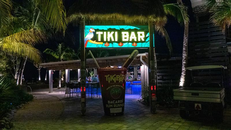 Florida-Keys-Islamorada-Restaurant-Raw-Bar-Holiday-Isle-01.jpg