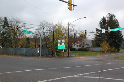Drivers Driving Through Powerless Traffic Signal, Normal Square, Carbon County (10-31-2012)