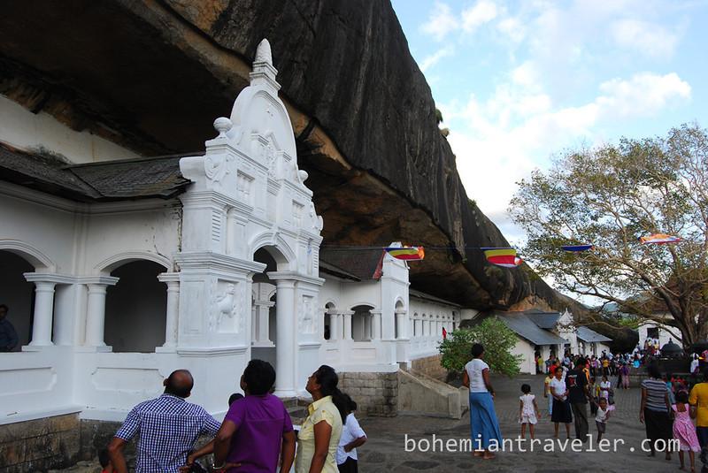 Cave Temples at Dambulla (17).jpg