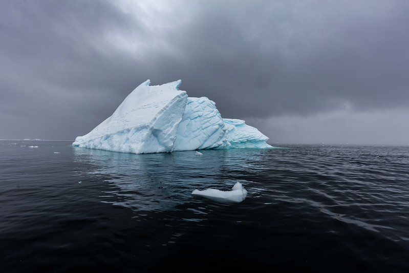 Fractured Iceburg-6987.jpg